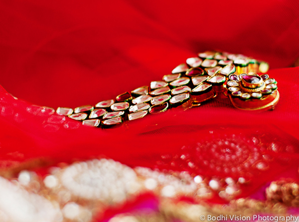 Indian wedding jewelry bride red gold
