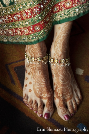 Featured Indian Weddings,bridal jewelry,Mehndi Artists,indian wedding mehndi,indian bridal henna,detail of bridal henna,bridal henna on feet,Erin Shimazu Photography