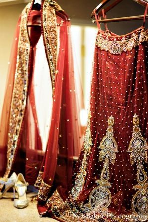 Indian-wedding-bride-detail-lengha-red-gold