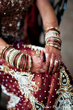 Indian-wedding-bride-portrait-detail-mehndi-bangles
