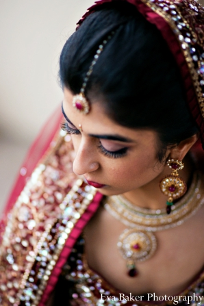 Indian-wedding-bride-portrait-lengha-tikka