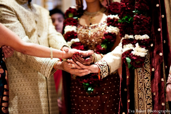 Indian-wedding-ceremony-bride-groom-detail-hands