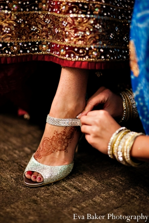Indian-wedding-getting-ready-bride-mehndi-shoes