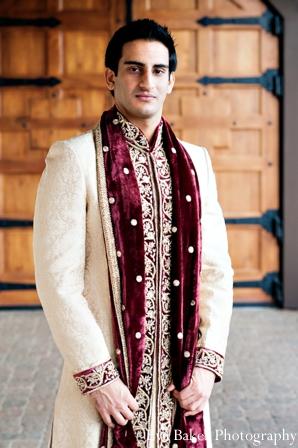 Indian-wedding-groom-portrait-sherwani