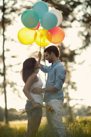 Indian-wedding-balloons-engagement-photography-shoot