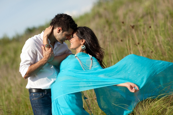 Indian-wedding-bride-groom-outdoor-nature-engagement-session