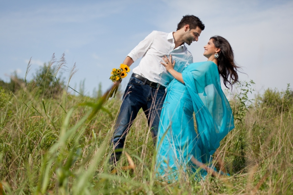 Indian-wedding-bride-groom-outdoors-portrait-engagement