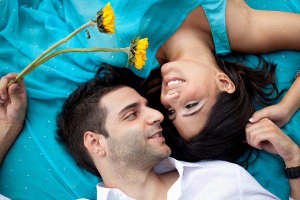 Indian-wedding-bride-groom-portrait-ideas-engagement
