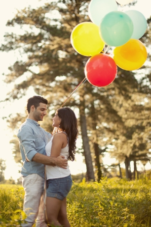 Indian-wedding-engagement-couple-shoot-outdoors-balloons