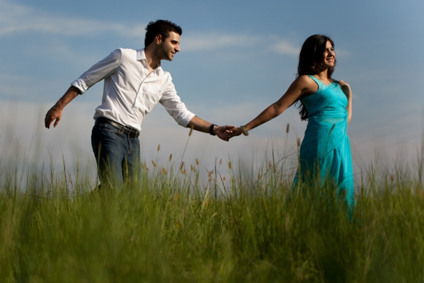 Indian-wedding-portrait-outdoors-nature-holding-hands