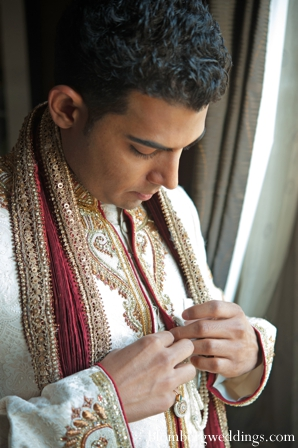 indian wedding groom traditional ceremony dress