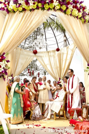 red,gold,white,ceremony,mandap,traditional indian wedding,indian wedding traditions,Harvard Photography