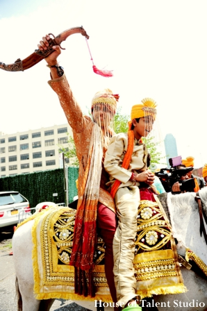 Indian-wedding-baraat-white-horse