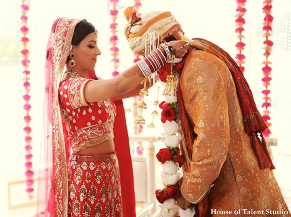 Indian-wedding-ceremony-bride-groom-tradtional