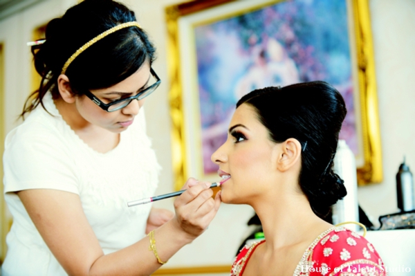 Indian-wedding-getting-ready-maharani
