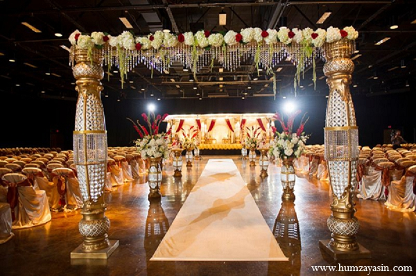 Indian wedding ceremony mandap gold white hindu in Temple, Texas Indian Wedding by Humza Yasin Photography