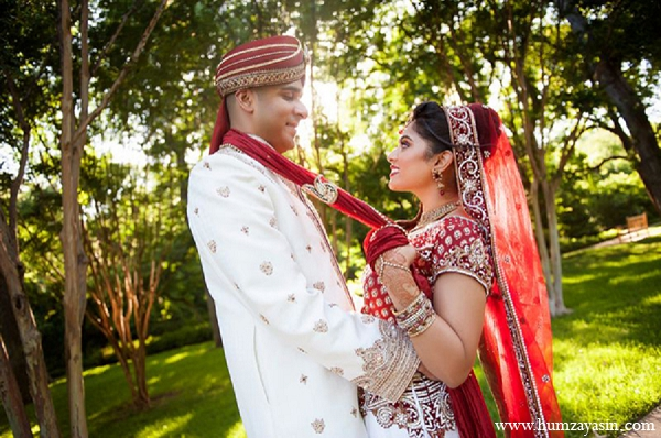 Indian wedding portrait ideas bride groom dupatta red lengha in Temple, Texas Indian Wedding by Humza Yasin Photography
