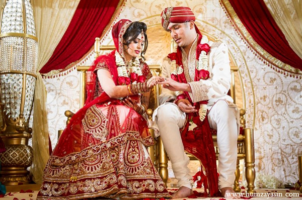 Indian wedding traditional hindu ceremony bride groom in Temple, Texas Indian Wedding by Humza Yasin Photography