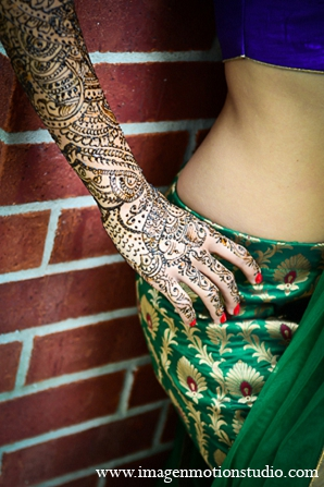 Indian wedding mehndi bridal bride sari in Houston, Texas Indian Wedding by Image N Motion Studio