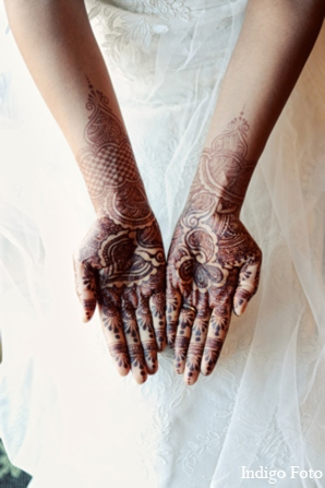 white,traditional indian wedding,indian wedding traditions,indian bridal mehndi,indigo foto