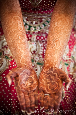 Mehndi Artists,indian wedding mehndi,indian bridal henna,bridal henna,henna and mehndi for wedding ceremony,traditional mehndi for indian bride,Jay Crihfield Photography