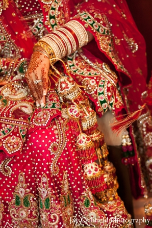 Indian wedding traditional ceremony dress in Chicago, Illinois Indian Wedding by Jay Crihfield Photography