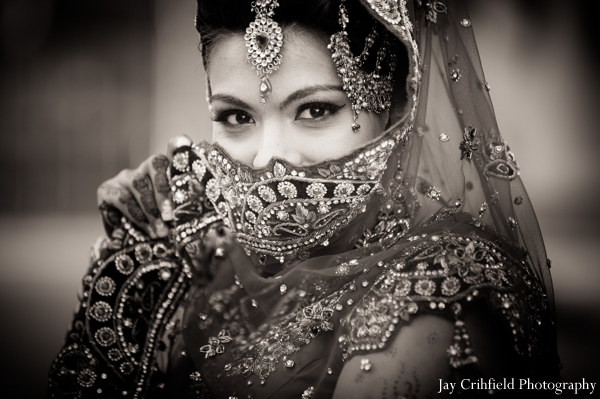 Indian wedding traditional bridal portrait in Chicago, Illinois Indian Wedding by Jay Crihfield Photography