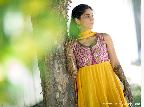 Engagement Sessions,lengha,bridal lengha,indian wedding lenghas,lenghas,bridal lenghas,wedding lenghas,wedding lengha,lengha saree,Jeremy Vesely