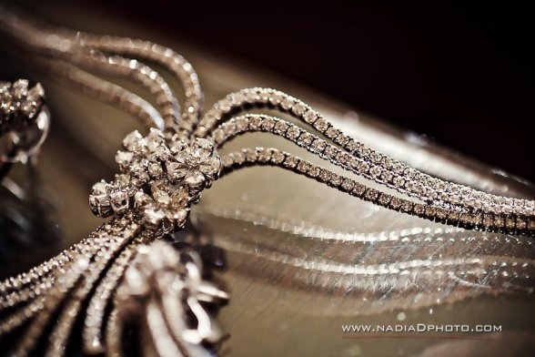 Indian-weddings-bridal-jewelry-diamonds-close-up-necklace-flowers