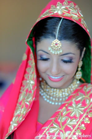 Indian-wedding-bride-gold-tikka-necklace