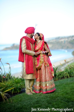 Indian-wedding-bride-groom-colorful-outdoor-portrait