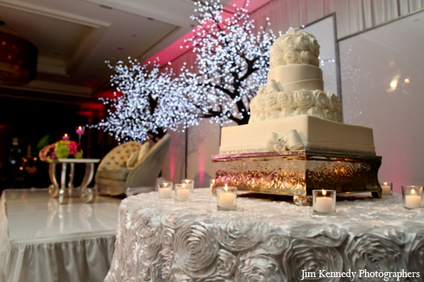 Indian-wedding-cake-reception-decor
