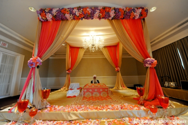 Indian-wedding-ceremony-mandap-decor-floral