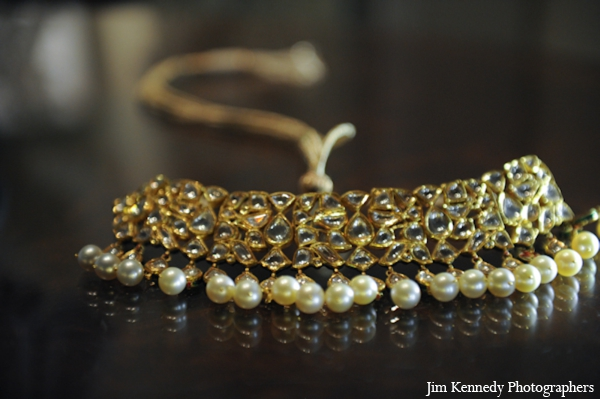 Indian-wedding-jewelry-necklace-gold-pearls