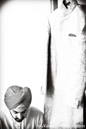 Indian-wedding-portrait-black-white-groom