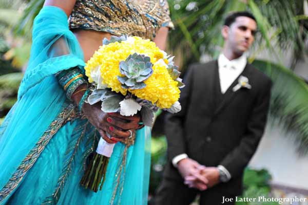 Indian-wedding-bride-groom-portrait-bouquet