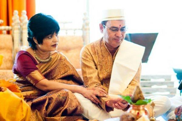 Indian-wedding-mumbai-yellow sari-hindu-ceremony
