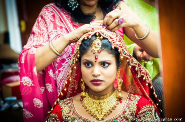 Indian-wedding-bride-gold-jewelry-red-tradtional