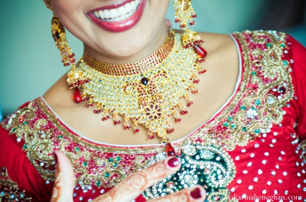 Indian-wedding-bride-gold-necklace-tradional