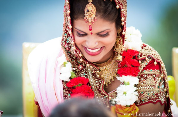 Indian-wedding-bride-smiles-at-the-mandap
