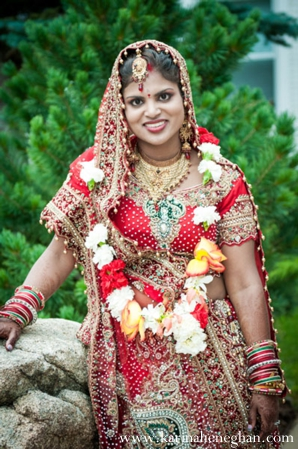 Indian-wedding-bride-traditional-lengha-jai-mala