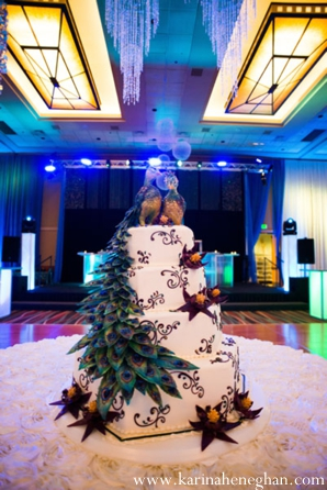 Indian-wedding-cake-reception-white