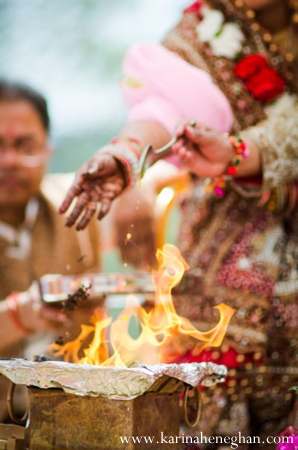 Indian-wedding-ceremony-tradtional-ritual-fire