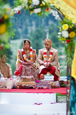 indian-wedding-couple-under-beautiful-mandap