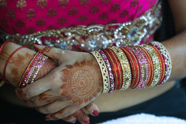 Indian-wedding-bride-close-up-bangles