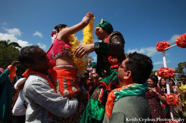 Indian-wedding-bride-groom-jai-malas