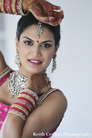 Indian-wedding-bride-portrait-jewels