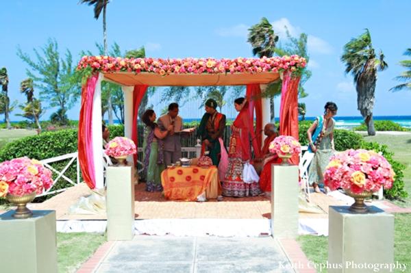 Indian-wedding-ceremony-tropical-beach