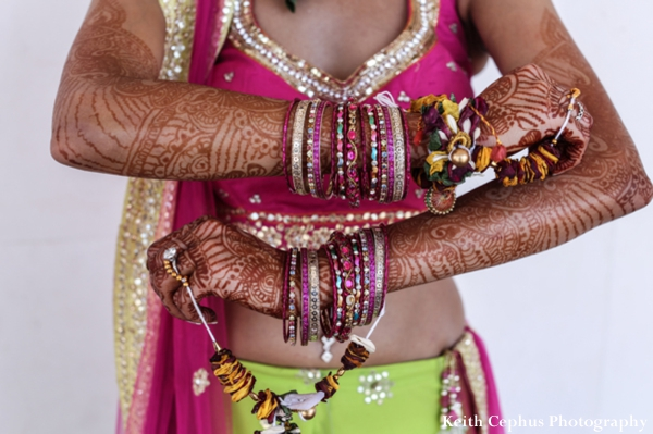 Indian-wedding-bangles-mehndi