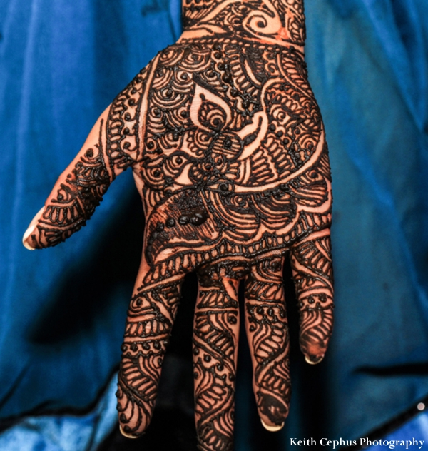 Indian-wedding-mehndi-hand